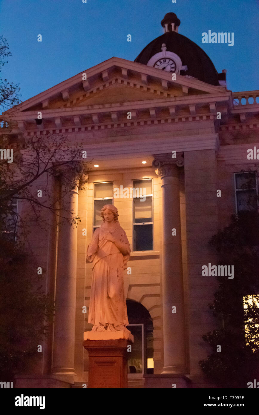 Statue at the Historic Lee County Courthouse in Tupelo, Mississippi. (USA) - Stock Image