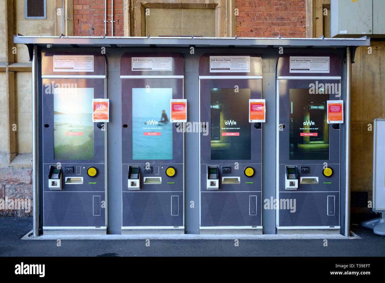 Temple Meads Station Bristol Automatic GWR ticket machines Stock Photo