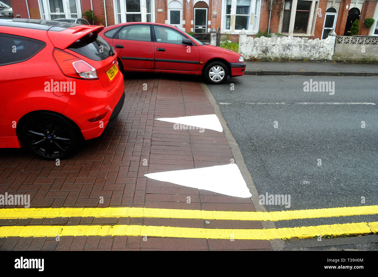 Humps In Road Stock Photos & Humps In Road Stock Images - Alamy