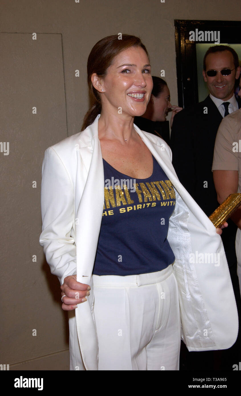 LOS ANGELES, CA. July 02, 2001: Actress PERI GILPIN at the world premiere, in Los Angeles, of her new movie Final Fantasy: The Spirits Within. © Paul Smith/Featureflash - Stock Image
