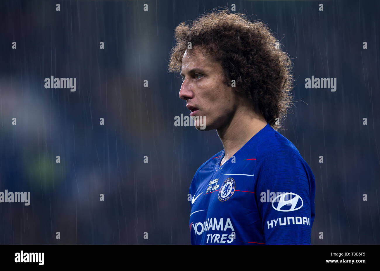 London, UK. 08th Apr, 2019. David LUIZ of Chelsea in the rain during the Premier League match between Chelsea and West Ham United at Stamford Bridge, London, England on 8 April 2019. Photo by Andy Rowland. Credit: PRiME Media Images/Alamy Live News Stock Photo