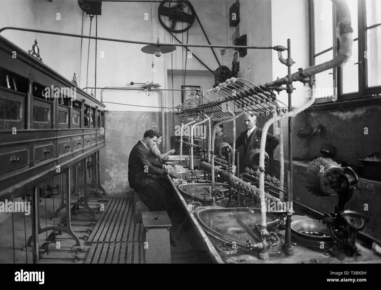 silk processing, 1939 - Stock Image