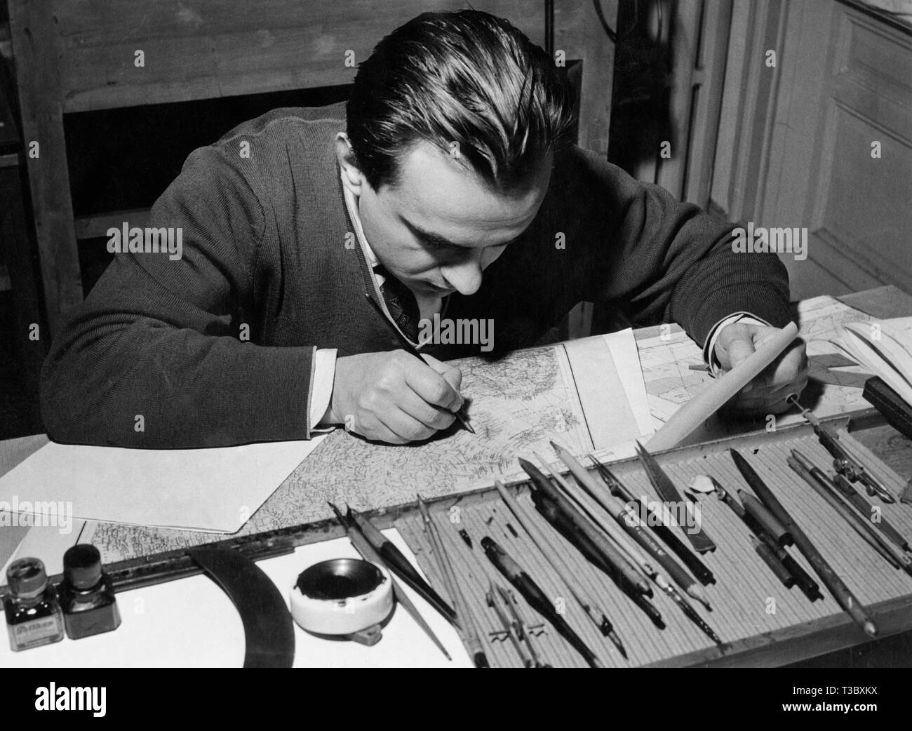 cartographic office, draughtsman, 1954 - Stock Image