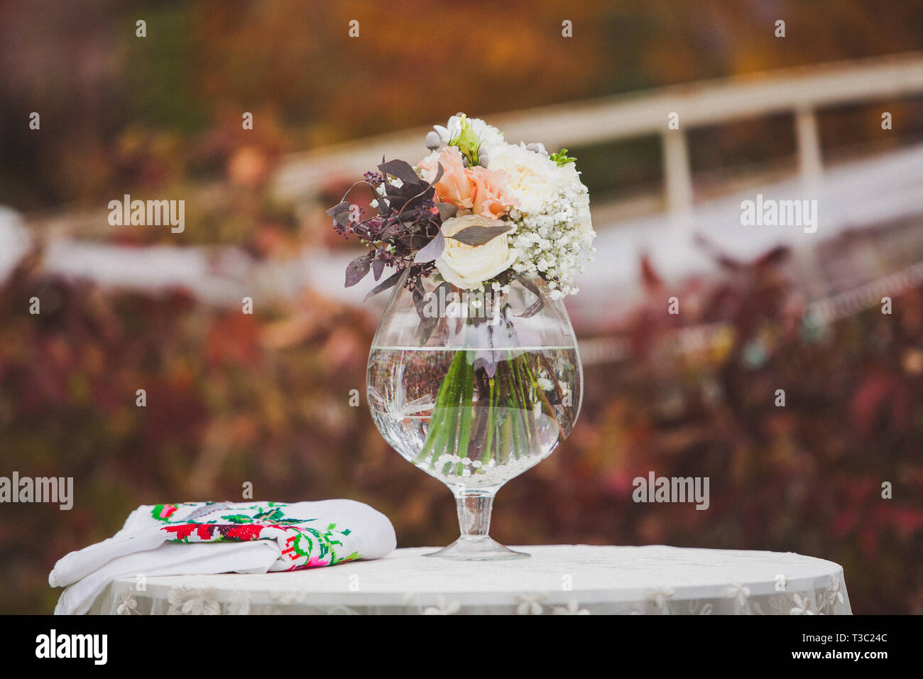 Flowers decorate a beautiful wedding - Stock Image