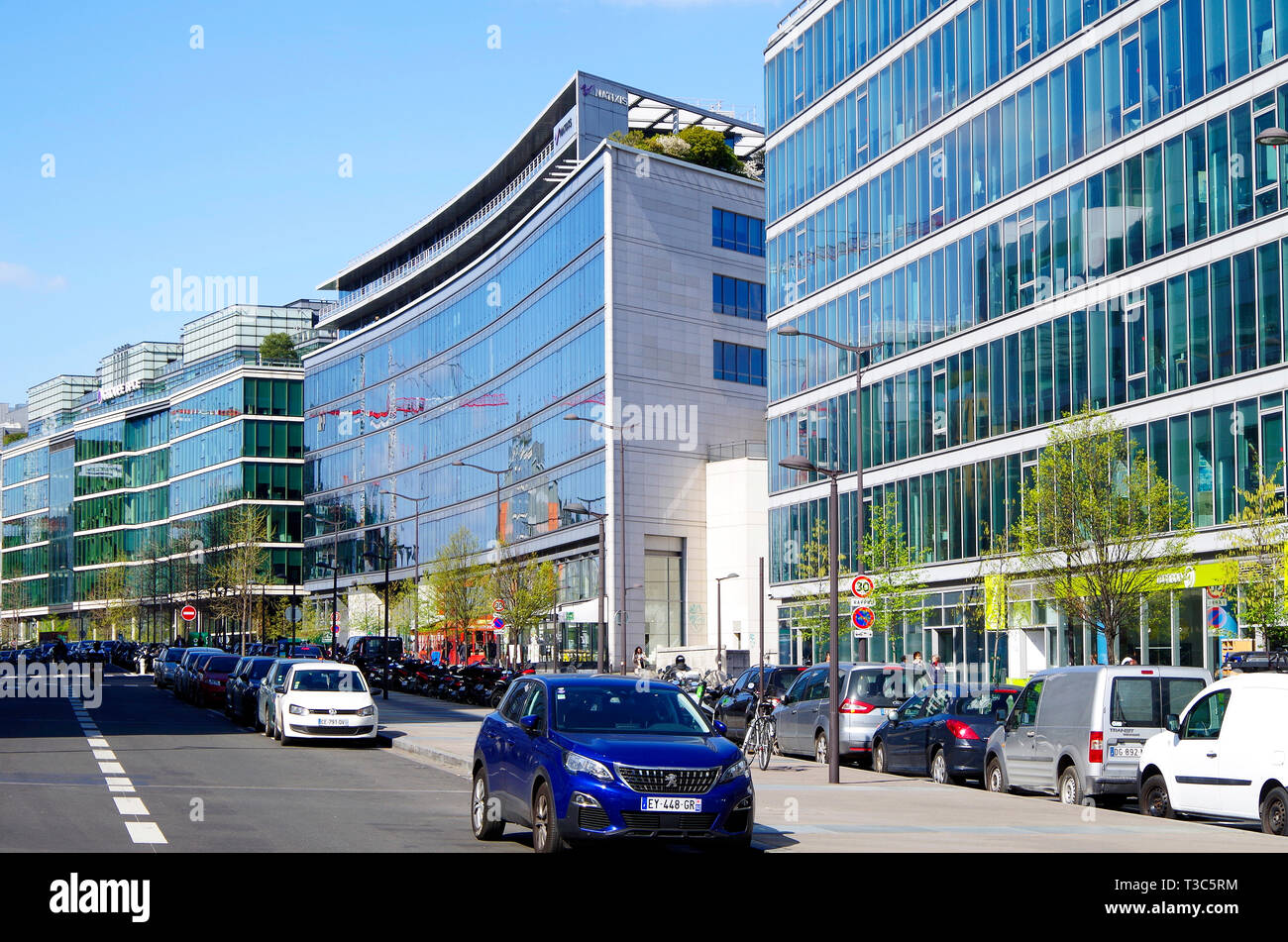 Office buildings on Avenue de France, the principle artery of the ZAC Rive Gauche, a €9 billion redevelopment of former railway lands beside the Seine - Stock Image