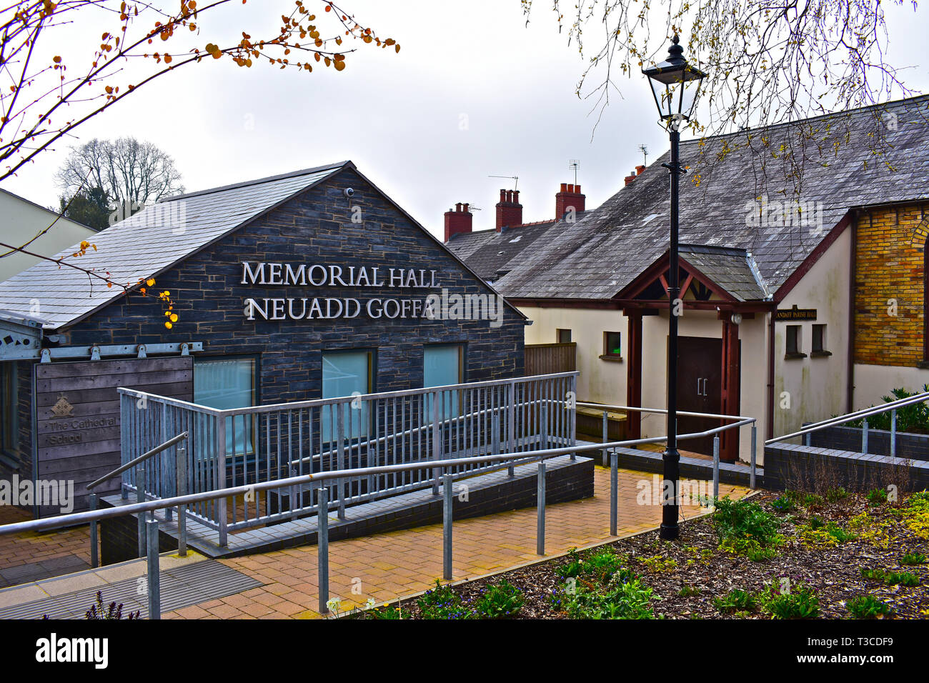 The Memorial Hall is located in the centre of the Village of Llandaff. Popular local venue with various meeting rooms and halls. - Stock Image