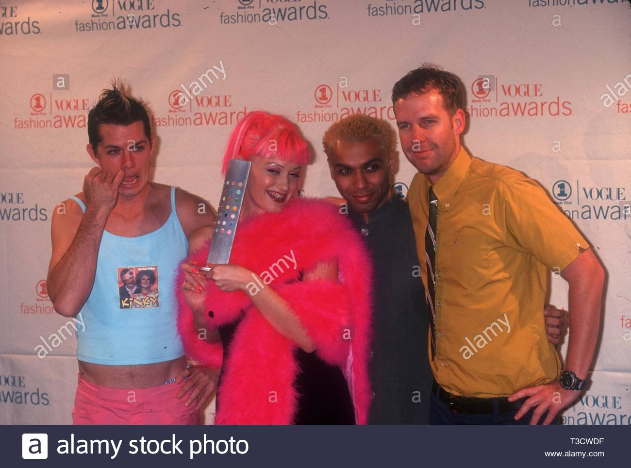 Gwen Stefani Pink Hair Braces