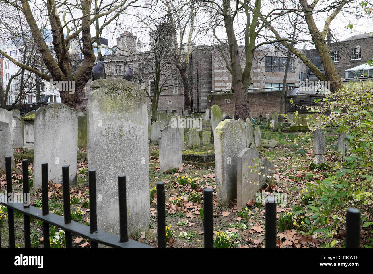 Gravestones in Bunhill Fields Cemetery on City Road in London EC1 England UK  KATHY DEWITT - Stock Image