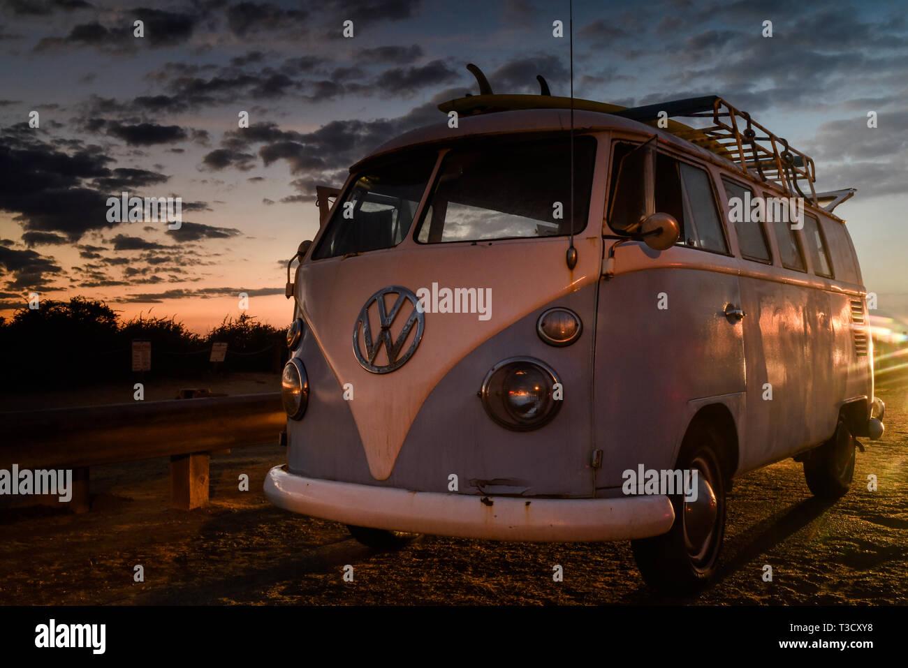 Vw San Diego >> Vintage Volkswagon Vw Microbus With Rooftop Rack For