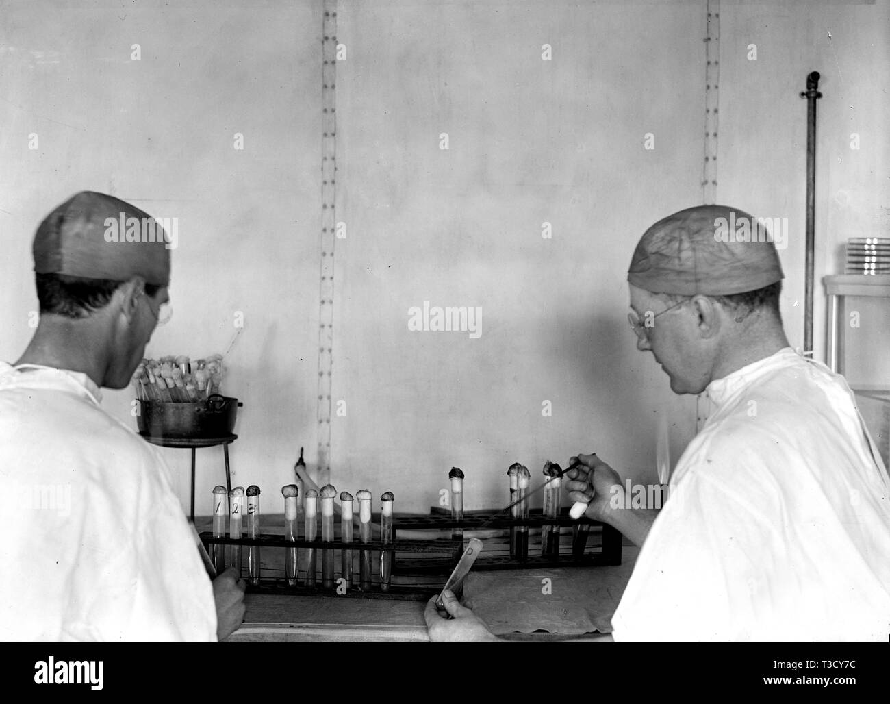 Typhoid vaccine stock photos & typhoid vaccine stock images alamy