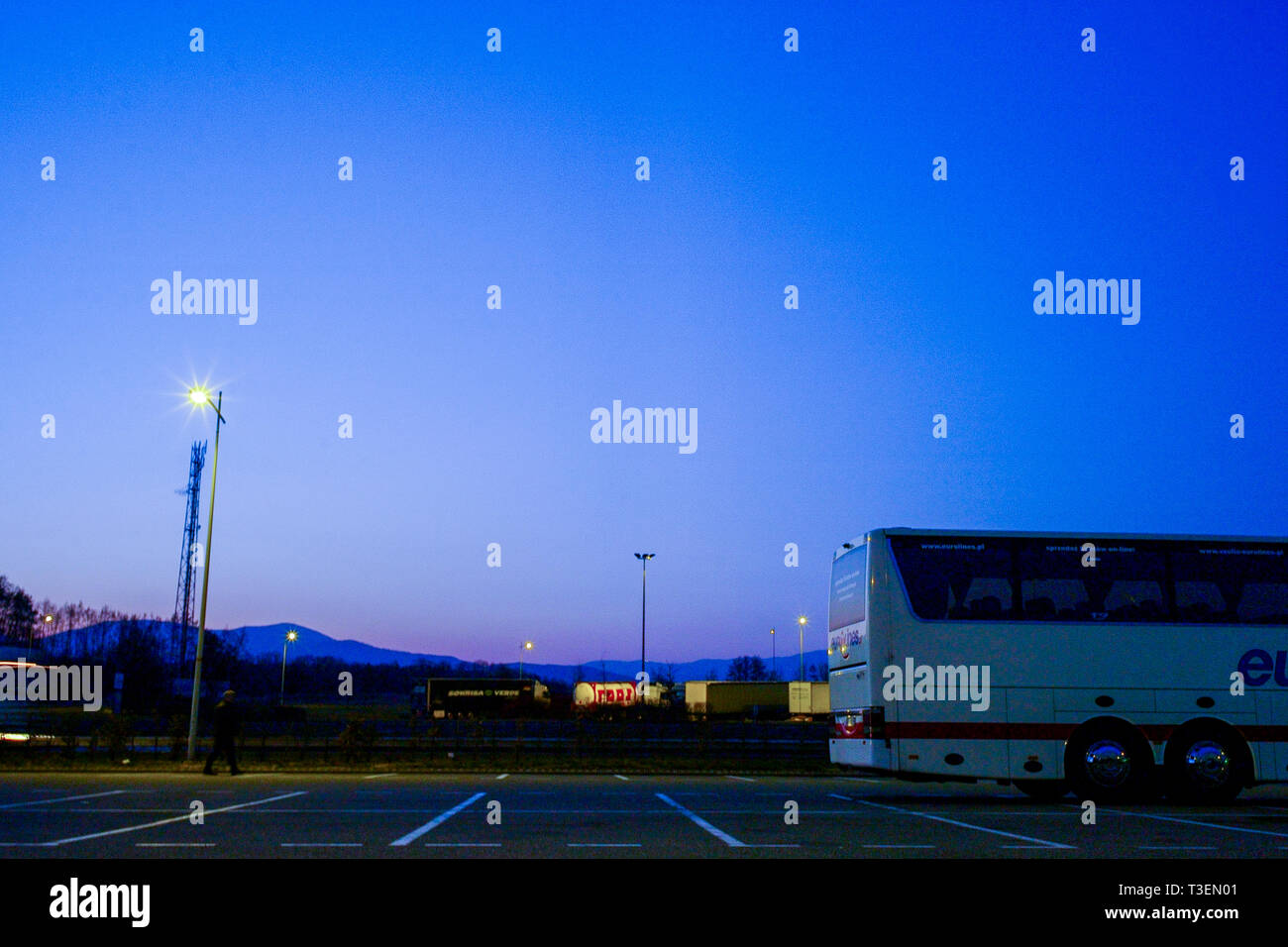 Highway rest area at dawn, Germany - Stock Image