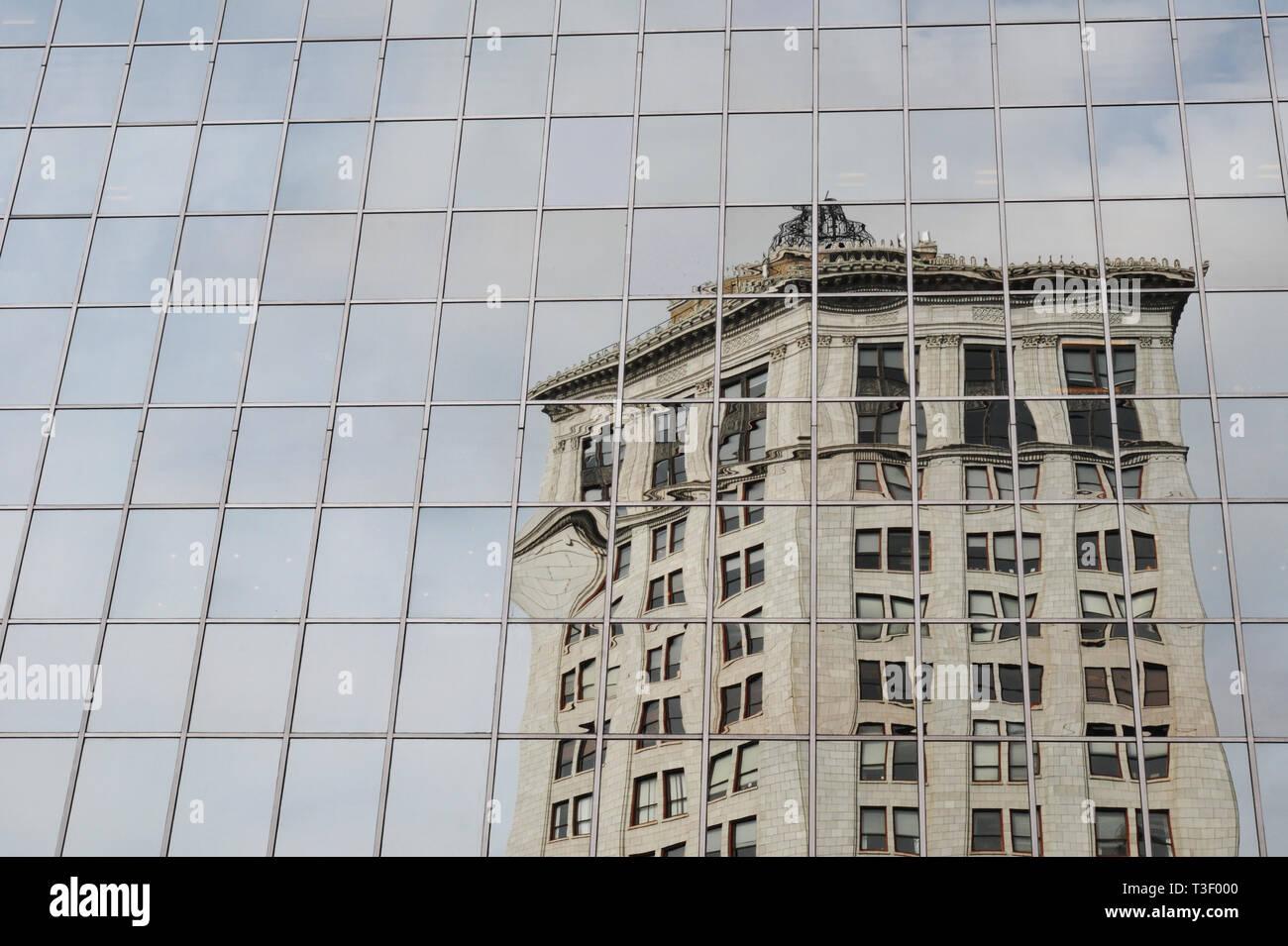 Pnc Bank Building Stock Photos & Pnc Bank Building Stock Images - Alamy