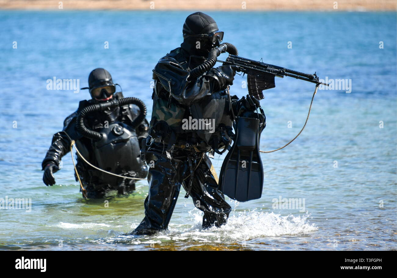 Primorye, Russia  09th April, 2019  Divers involved in