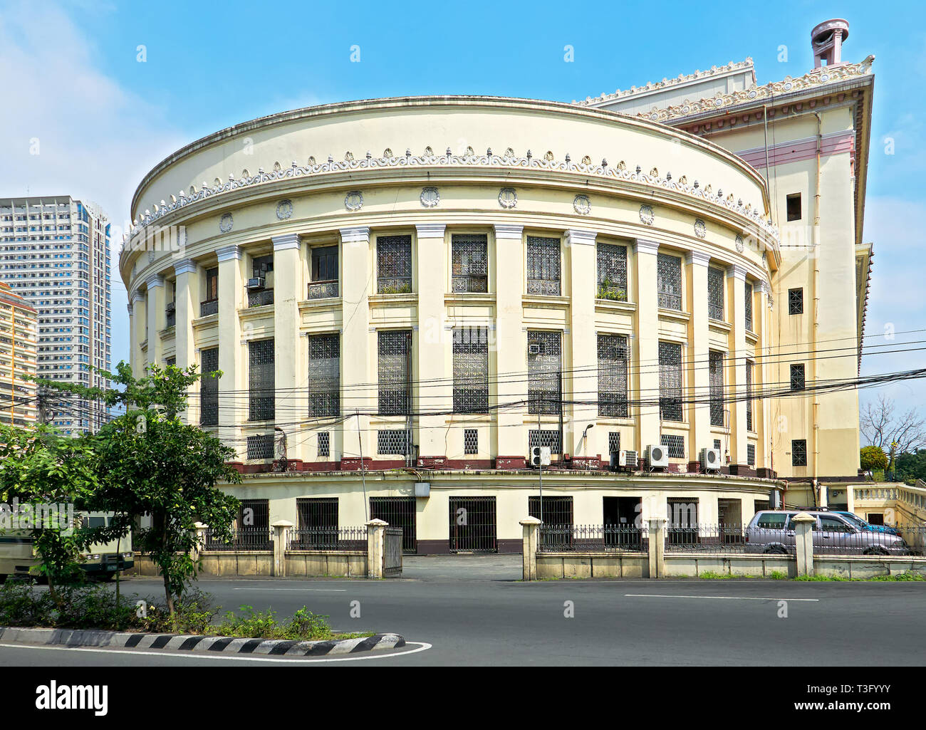 Manila, Philippines: Side view of the historical Manila Central Post Office building in Lawton, Ermita, near the Pasig River - Stock Image