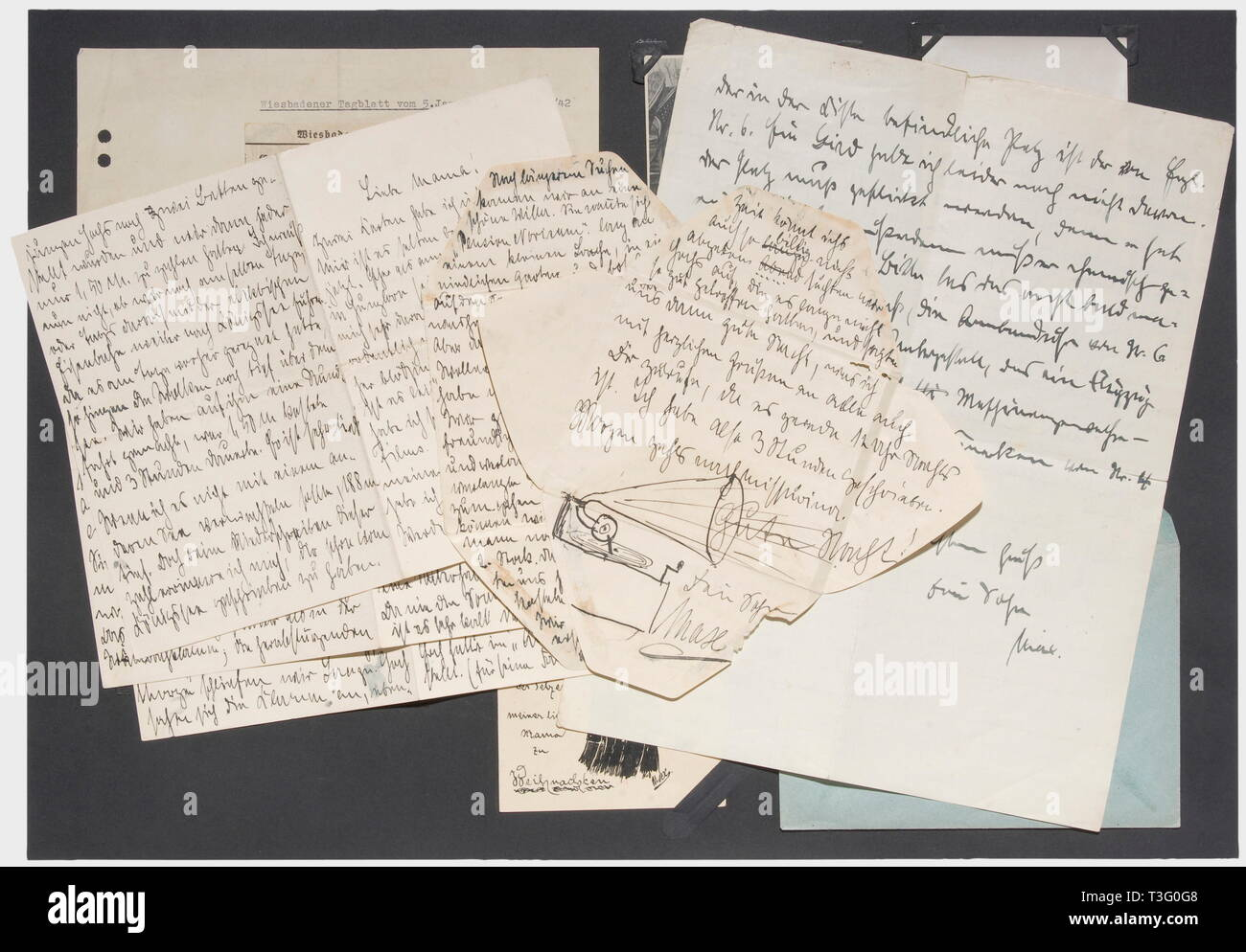 "First Lieutenant Max Immelmann (1890 - 1916), a letter to his mother, probably late 1915 Obviously written hastily in ink on chequered paper, short replies and a few questions answering some previous correspondence (""Well, at least I have finally answered the postcards""/""Many, many warm greetings from your son Max""). On the back ""The fur coat in the chest is from Englishman no. 6."" ... The fur needs repair. ... Also the compass, the wristwatch from no. 6, a radio button on the undercarriage ... of no. 4, machine gun lock of no. 3. Identi historic, Additional-Rights-Clearance-Info-Not-Available Stock Photo"
