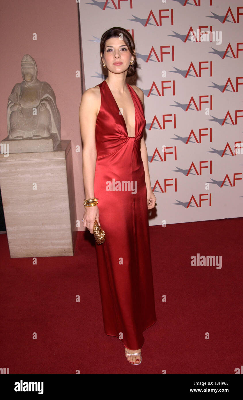 LOS ANGELES, CA. January 05, 2002: Actress MARISA TOMEI at the AFI Awards 2001 at the Beverly Hills Hotel. © Paul Smith/Featureflash - Stock Image