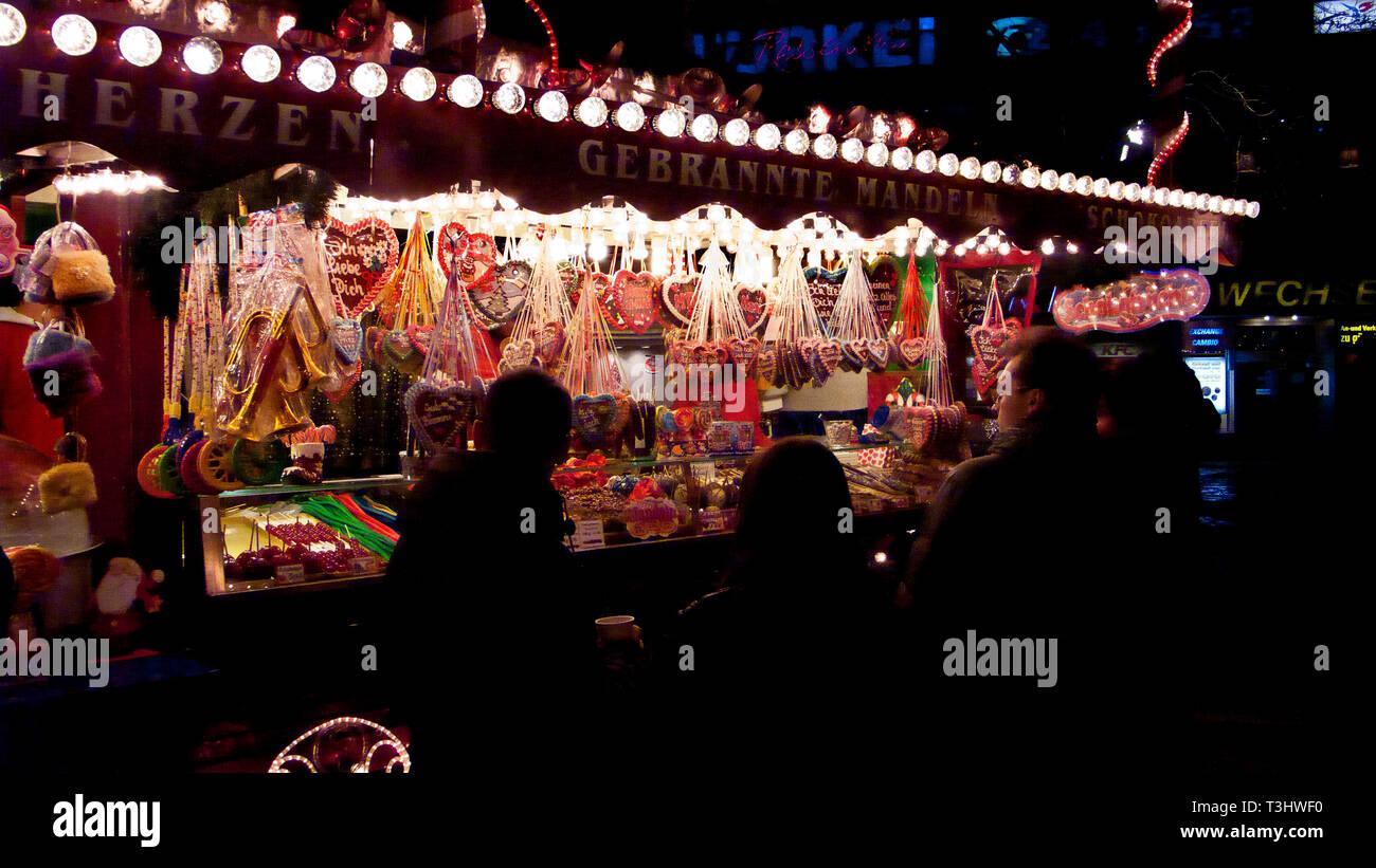 Christmas market (Weihnachtsmarkt), Breitscheidplatz, Berlin, Germany - Stock Image