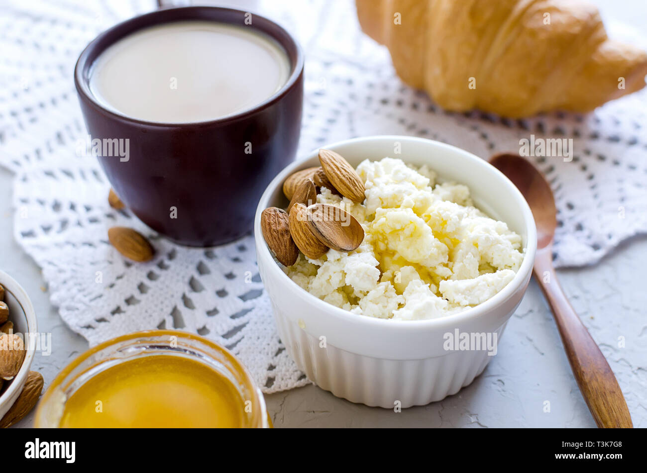 Pleasing Healthy Breakfast With Cottage Cheese Or Ricotta With Almond Home Interior And Landscaping Staixmapetitesourisinfo