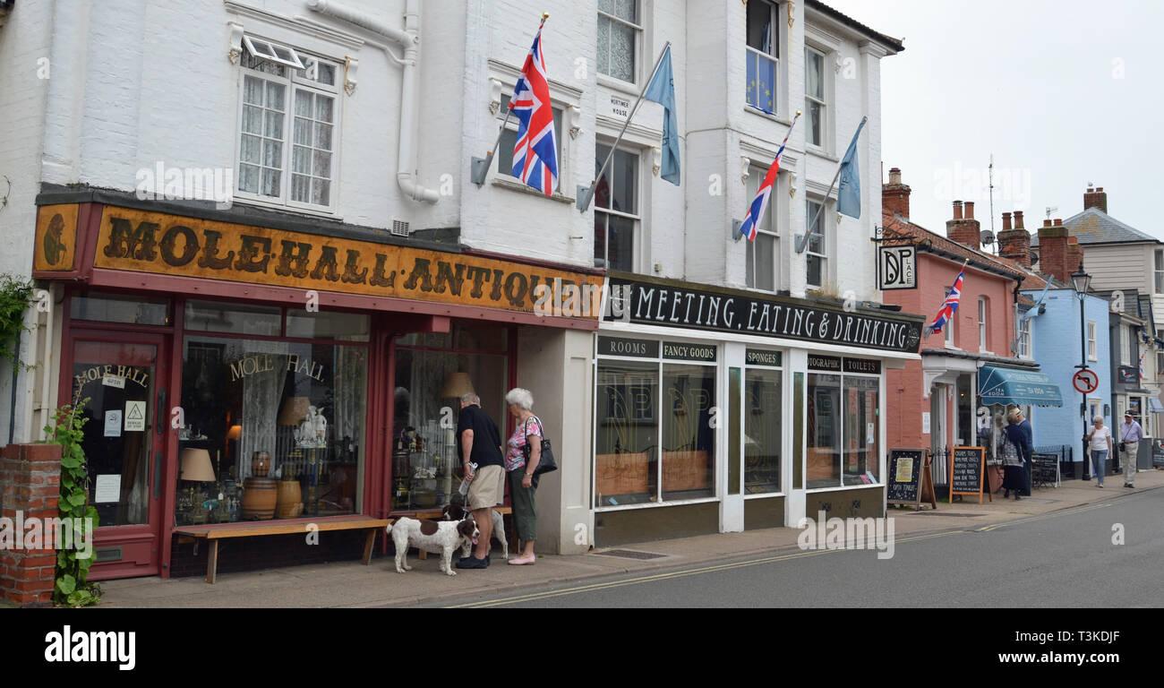 Molehall Antiques, High Street, Aldeburgh, Suffolk, UK Stock Photo