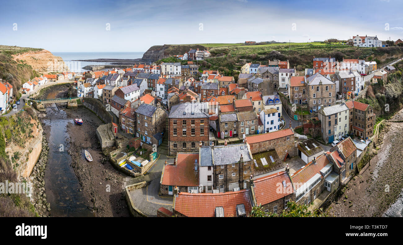 Staithes, a traditional fishing village and seaside resort on the North Yorkshire coast, England UK. Stock Photo