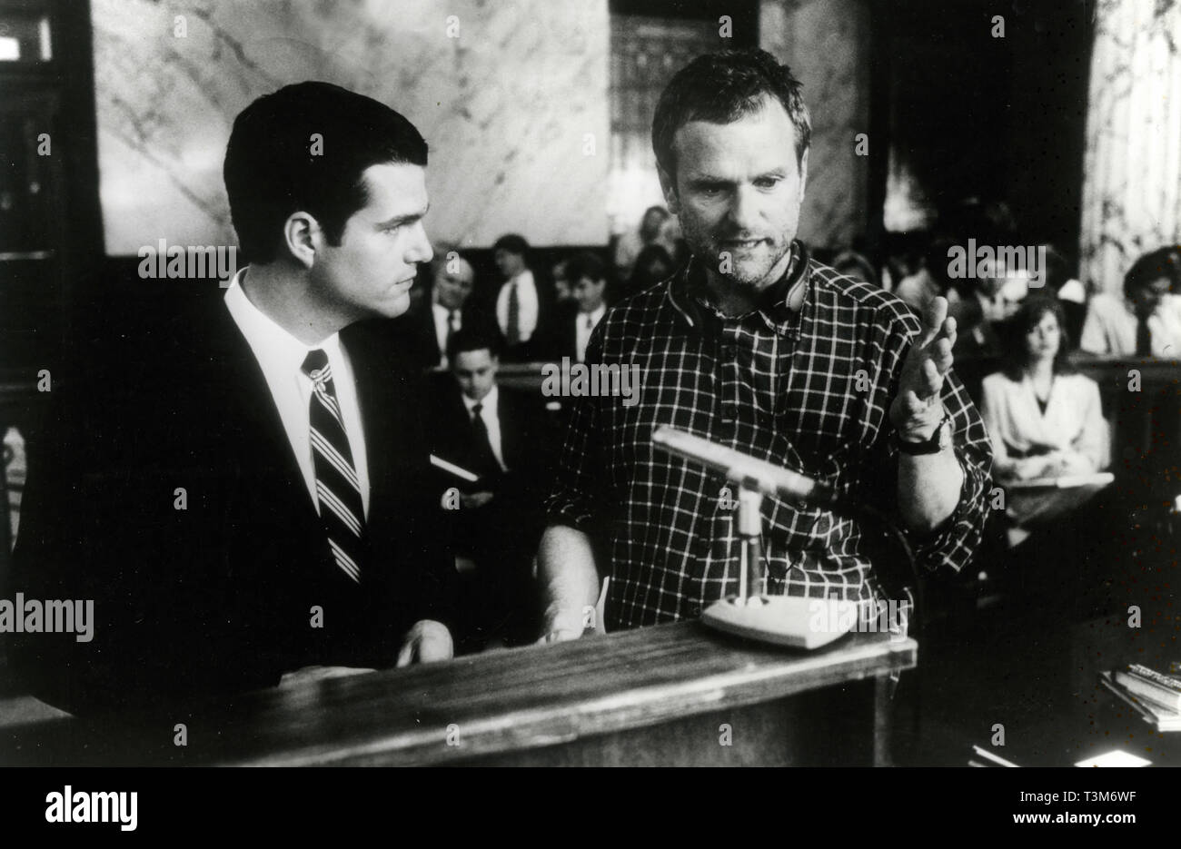 Movie director James Foley and Chris O'Donnell on the set of the movie The Chamber, 1996 - Stock Image
