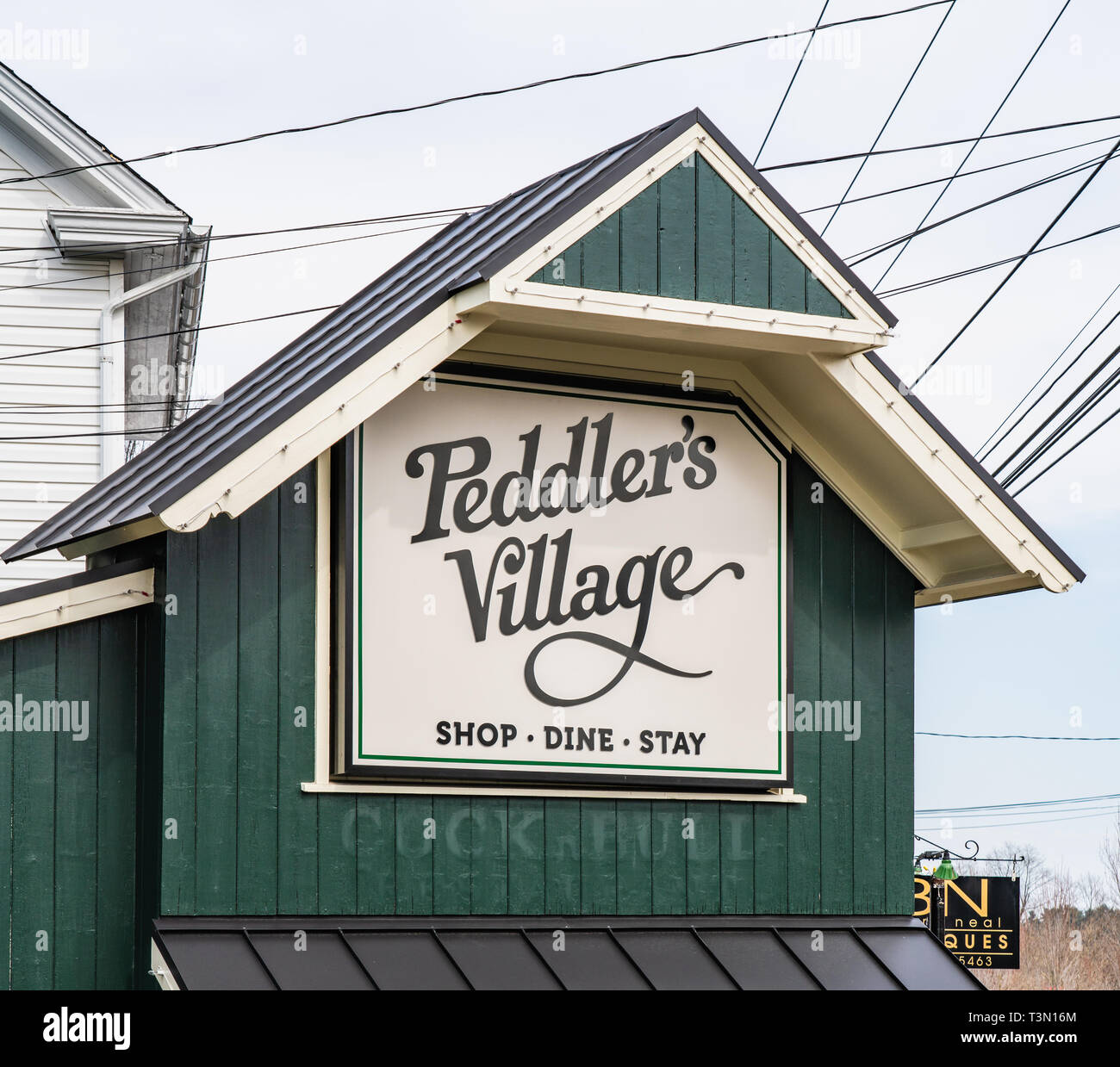 f4f4d78c898 Lahaska, Bucks County, PA - March 30, 2019: Peddler's Village is an  historic village outdoor shopping mall with restaurants and lodging.