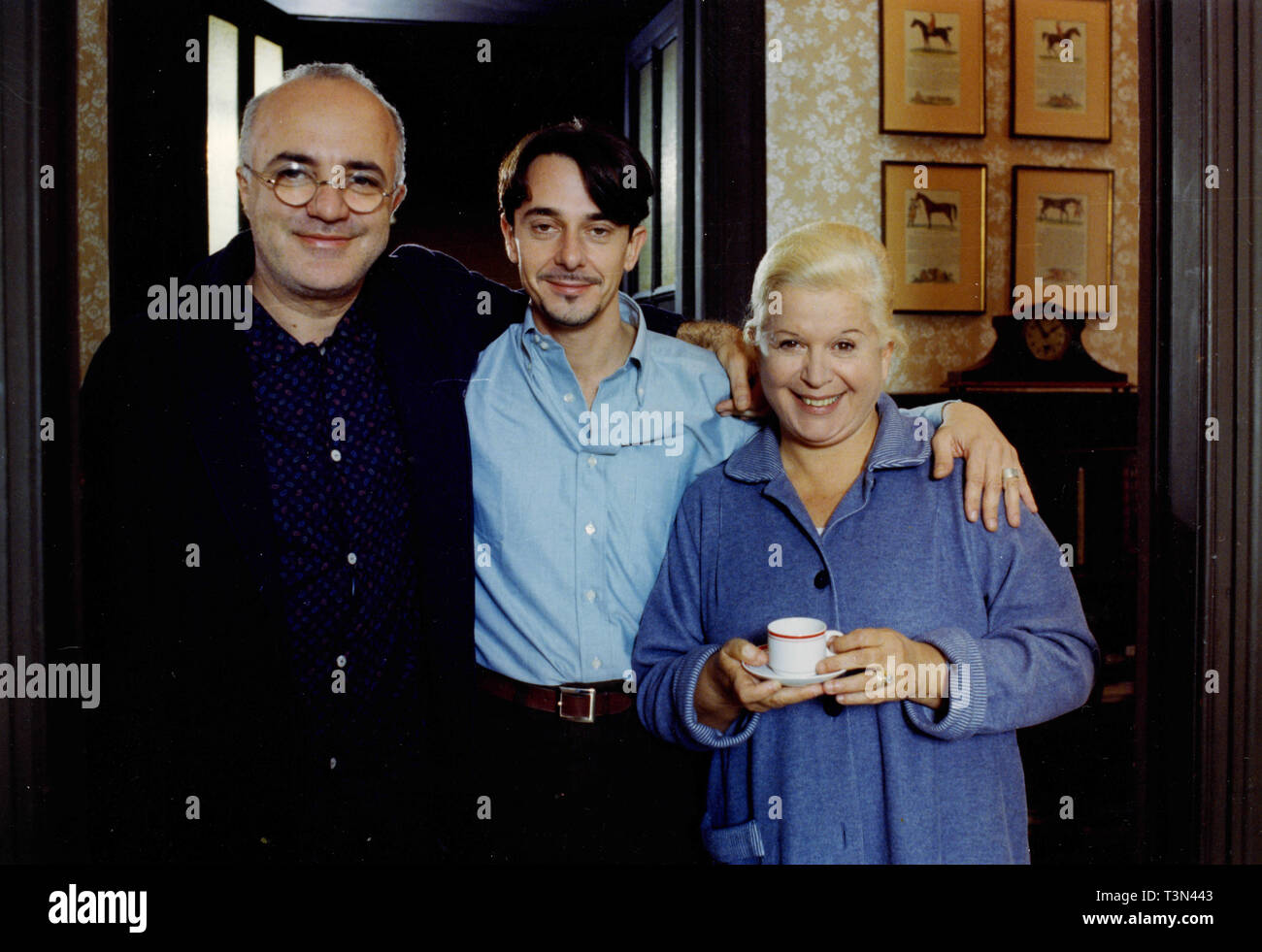 Actors Pere Ponce, Silvana De Santis and Luigi Petrucci in the movie La Vespa e la Regina, Italy 1990s - Stock Image