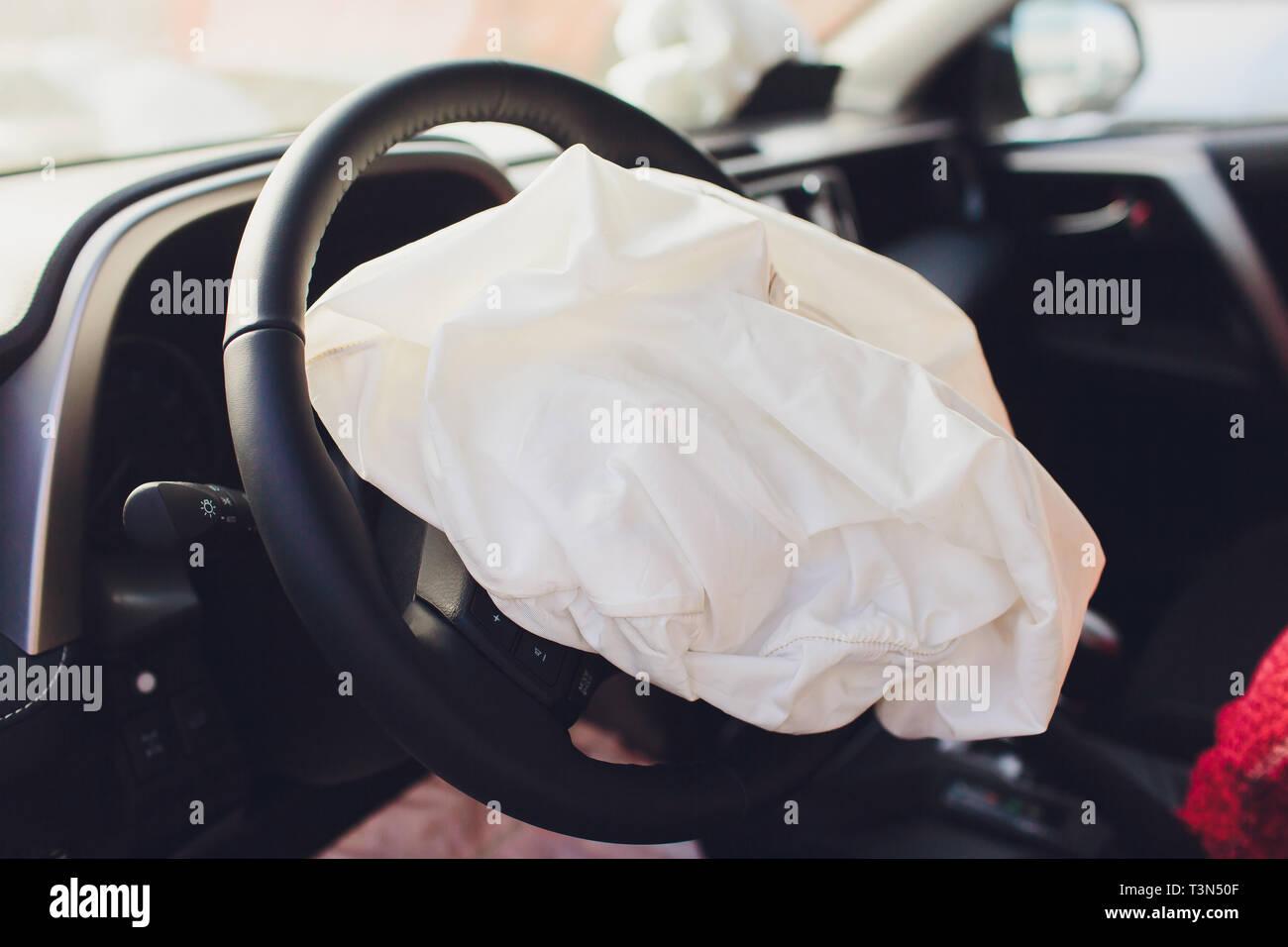 Deployed Airbag Crash Stock Photos & Deployed Airbag Crash