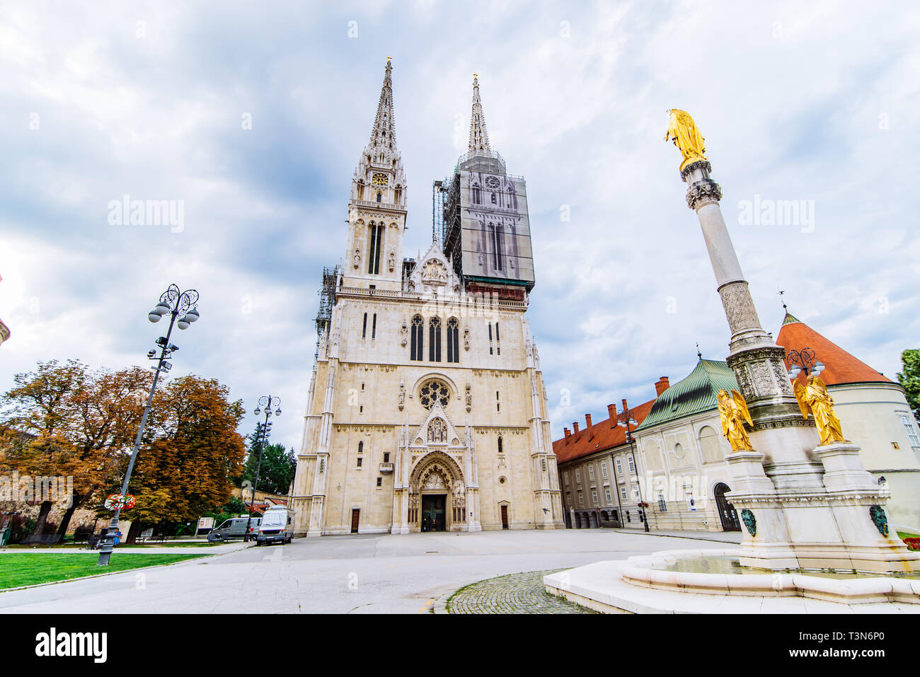 Cathedral Of Zagreb Old European Gothic Church Stock Photo Alamy