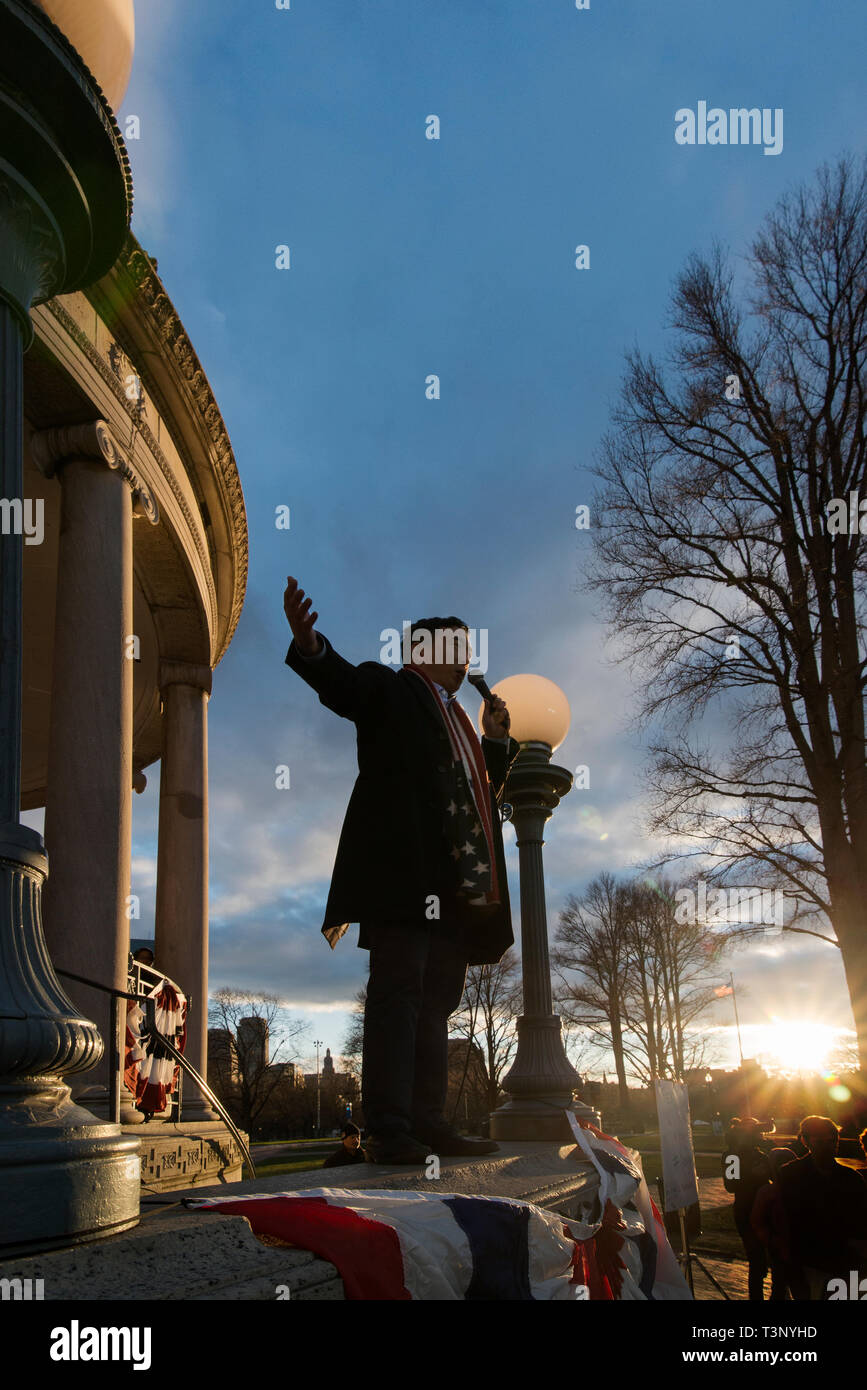 Boston, USA. 10th Apr, 2019. Boston, MA, USA. YANG 2020 American presidential campaign rally at the Parkman Bandstand on the Boston Common. More than 1,000 supporters of Andrew Yang gathered to meet and hear Democratic candidate Yang speak at the Boston Common. Photo shows Yang on the bandstand at the end of the Rally. Credit: Chuck Nacke/Alamy Live News - Stock Image