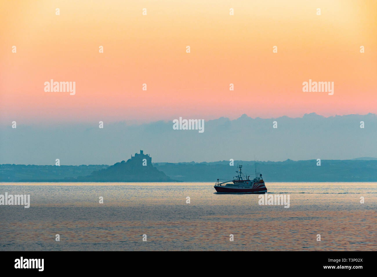 Newlyn, Cornwall, UK. 11th Apr, 2019. UK Weather. A chilly but glorious start to the day at Newlyn at sunrise. Seen here fishing boat from Newlyn. Credit: Simon Maycock/Alamy Live News Stock Photo