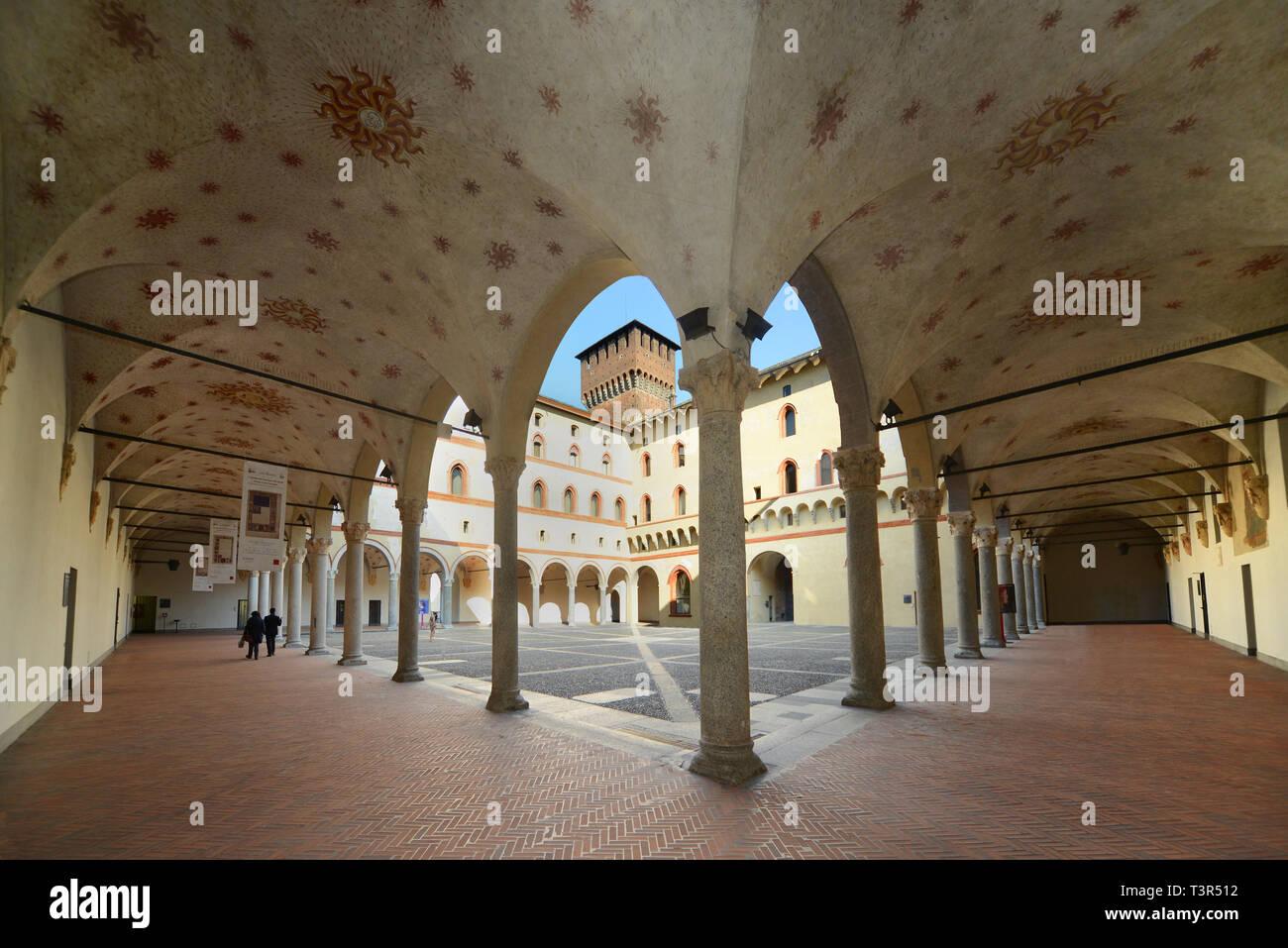 Italia, Lombardia, Milano, Cortile della Rocchetta,  Castello Sforzesco - Stock Image