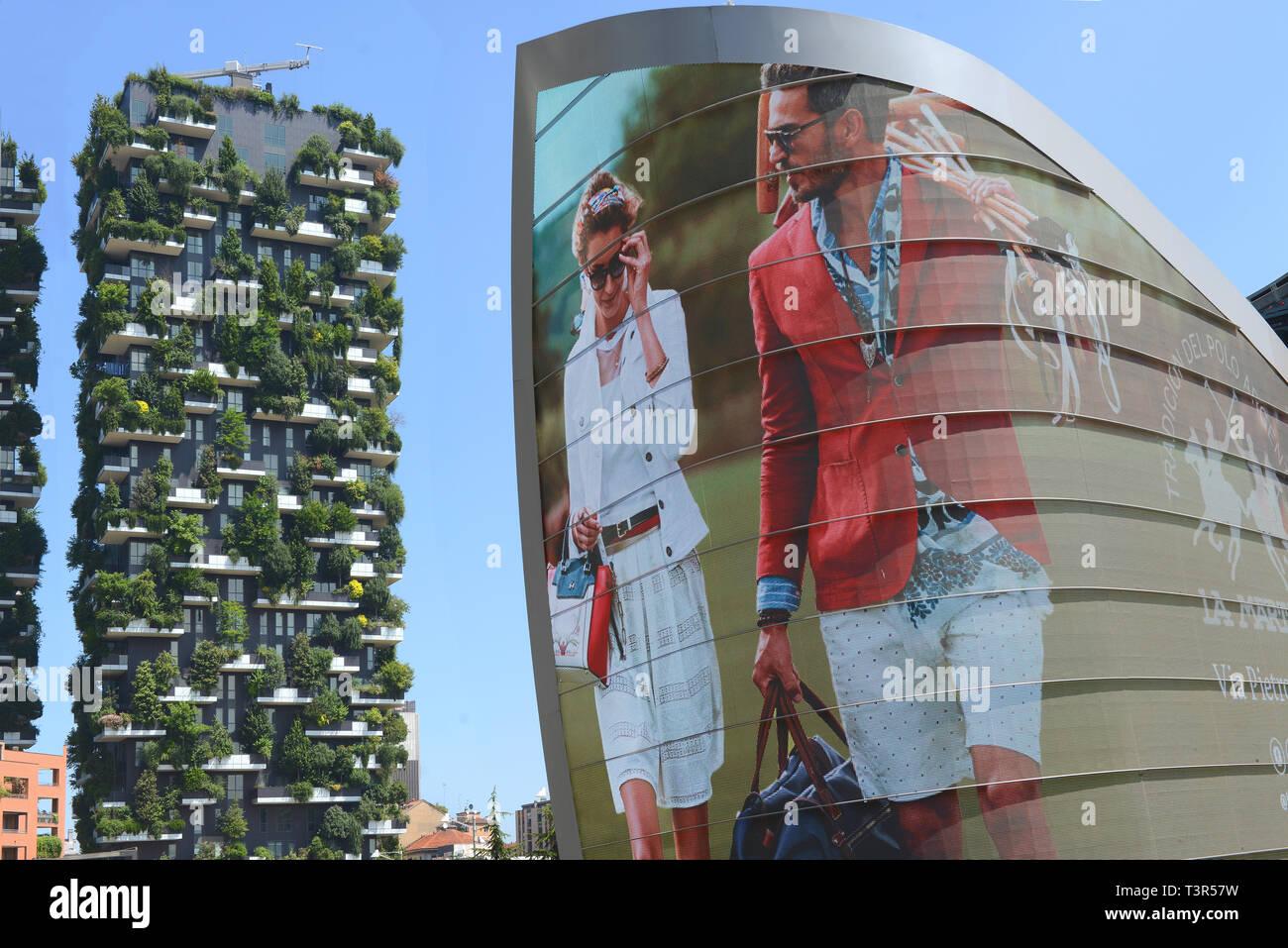 ,Italia, Lombardia, Milano, Bosco verticale - Stock Image