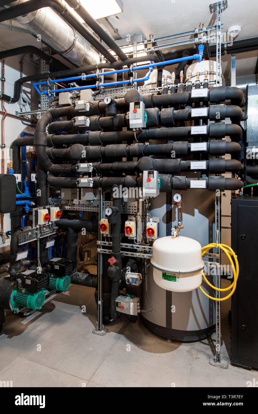 Verwarmingsinstallatie in een woonhuis. Stock Photo