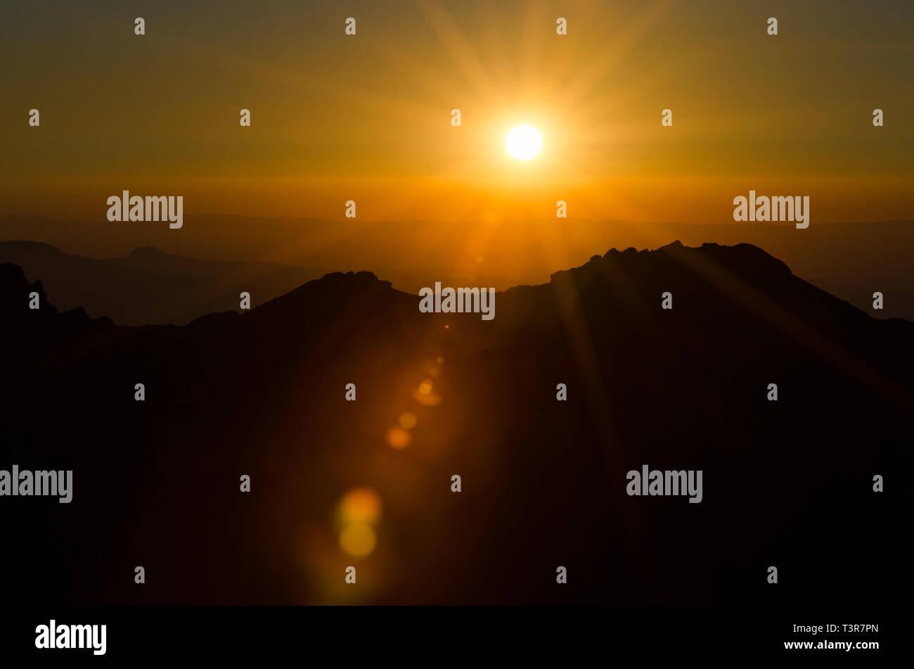 Sonnenuntergang in den Alpen - Stock Image