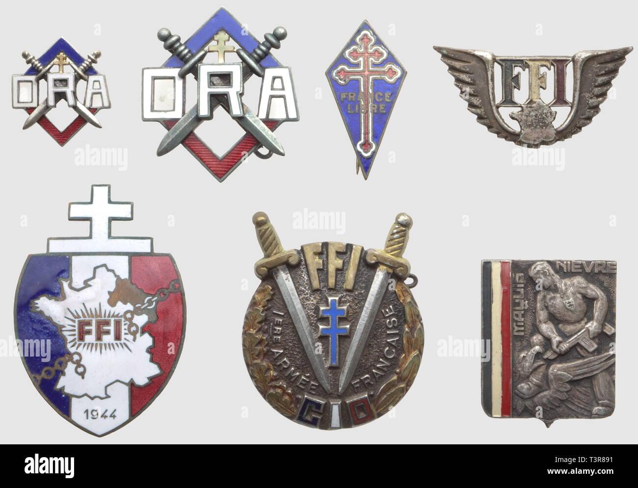 """RESISTANCE ET FORCES FRANCAISES LIBRES, Lot d'insignes métalliques, comprenant le rare Centre d'Instruction des Officiers FFI (CIO) créé en novembre 1944, dos lisse embouti, SNF, l'insigne de l'Organisation de la Résistance Armée (ORA), matriculé 1983, SNF (Chaumet) et sa réduction, SNF, sans attache, l'insigne du Maquis de la Nièvre, modèle peint (DP), l'insigne FFI de la Région C, matriculé 13964 (poincon AB), l'insigne général FFI peint, matriculé 125329 et le petit modèle du """"perchoir"""" de la France Libre, de fabr. anglaise marquée """"Regd no.83, Additional-Rights-Clearance-Info-Not-Available Stock Photo"""