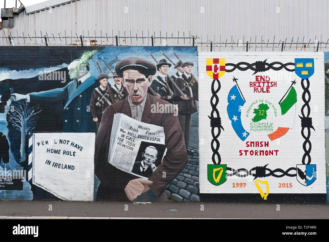 End British Rule, political graffiti on wall in West Belfast recalling the civil war between Protestants and Catholics, Belfast, County Antrim - Stock Image