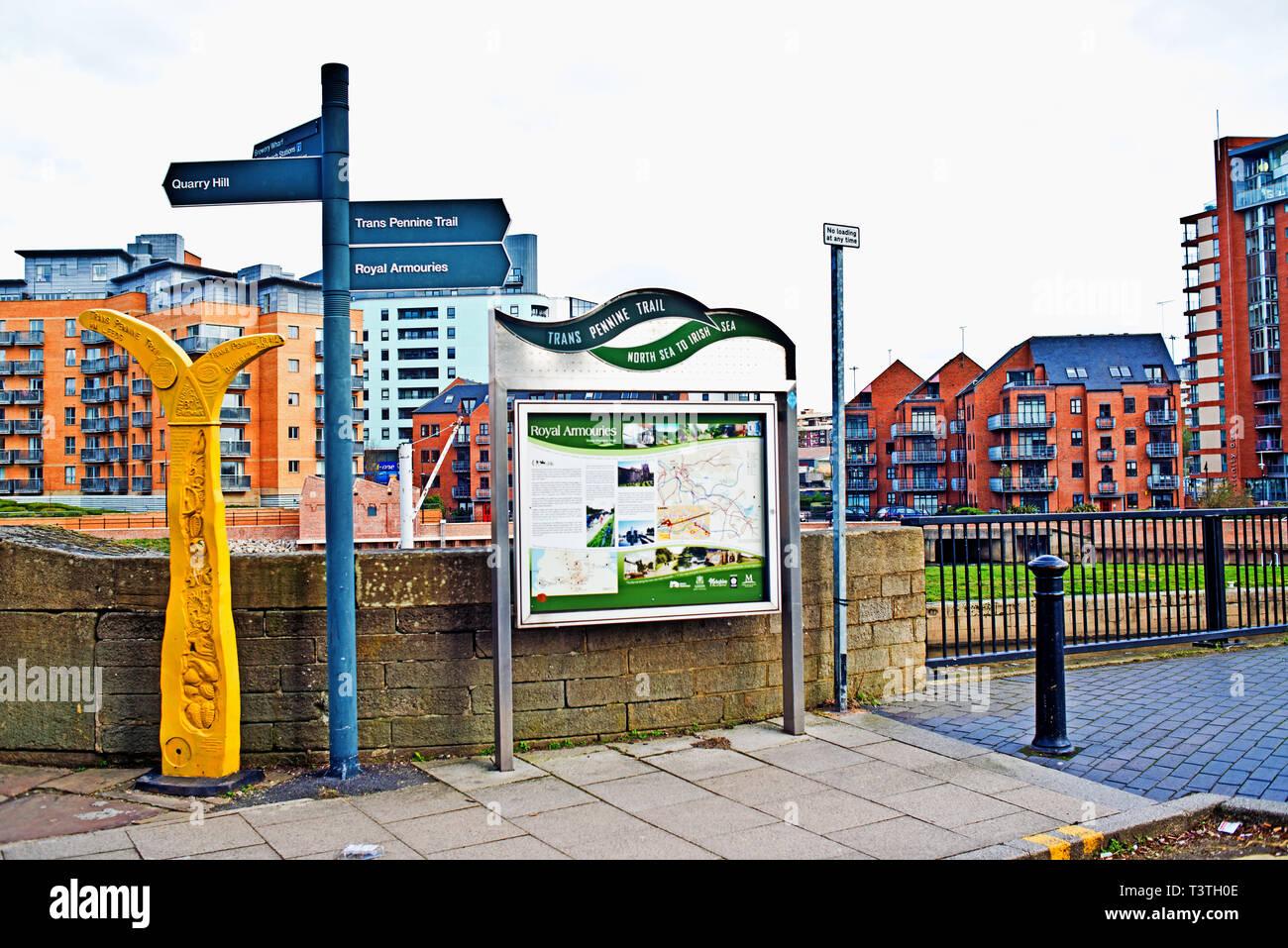 Transpennine Trail Information Sign, Leeds, England - Stock Image