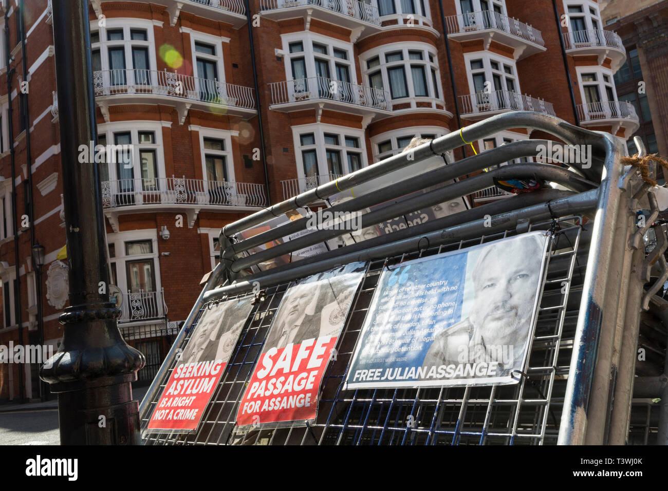 Assange Stock Photos Assange Stock Images Alamy