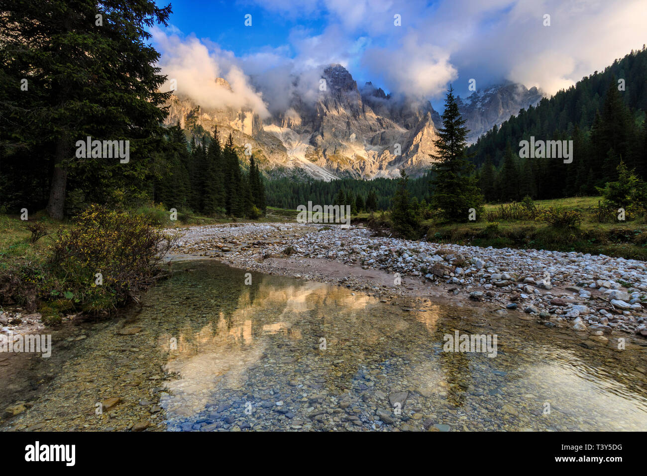 Val Vinegia, a small valley just below the high altitude pass of Passo Rolle in the Pale di San Martino group, Dolomites, Italy. The amazing peaks of  - Stock Image