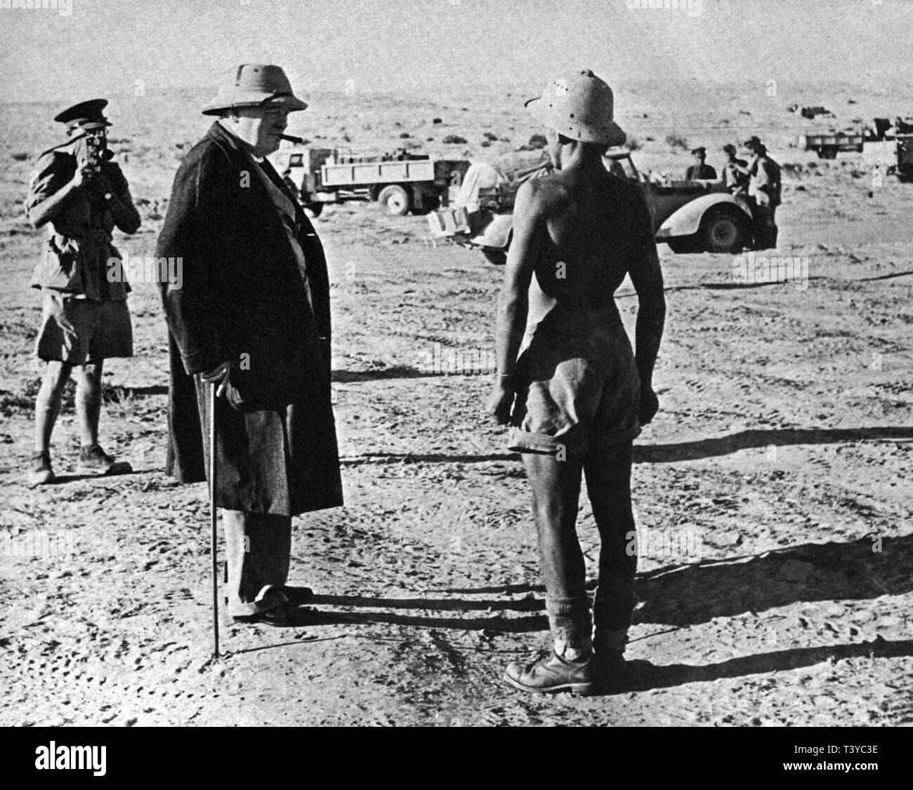 Winston Churchill visiting the front in the desert west of Cairo just after Montgomery had been given command of the 8th Army. 20th August 1942 - Stock Image