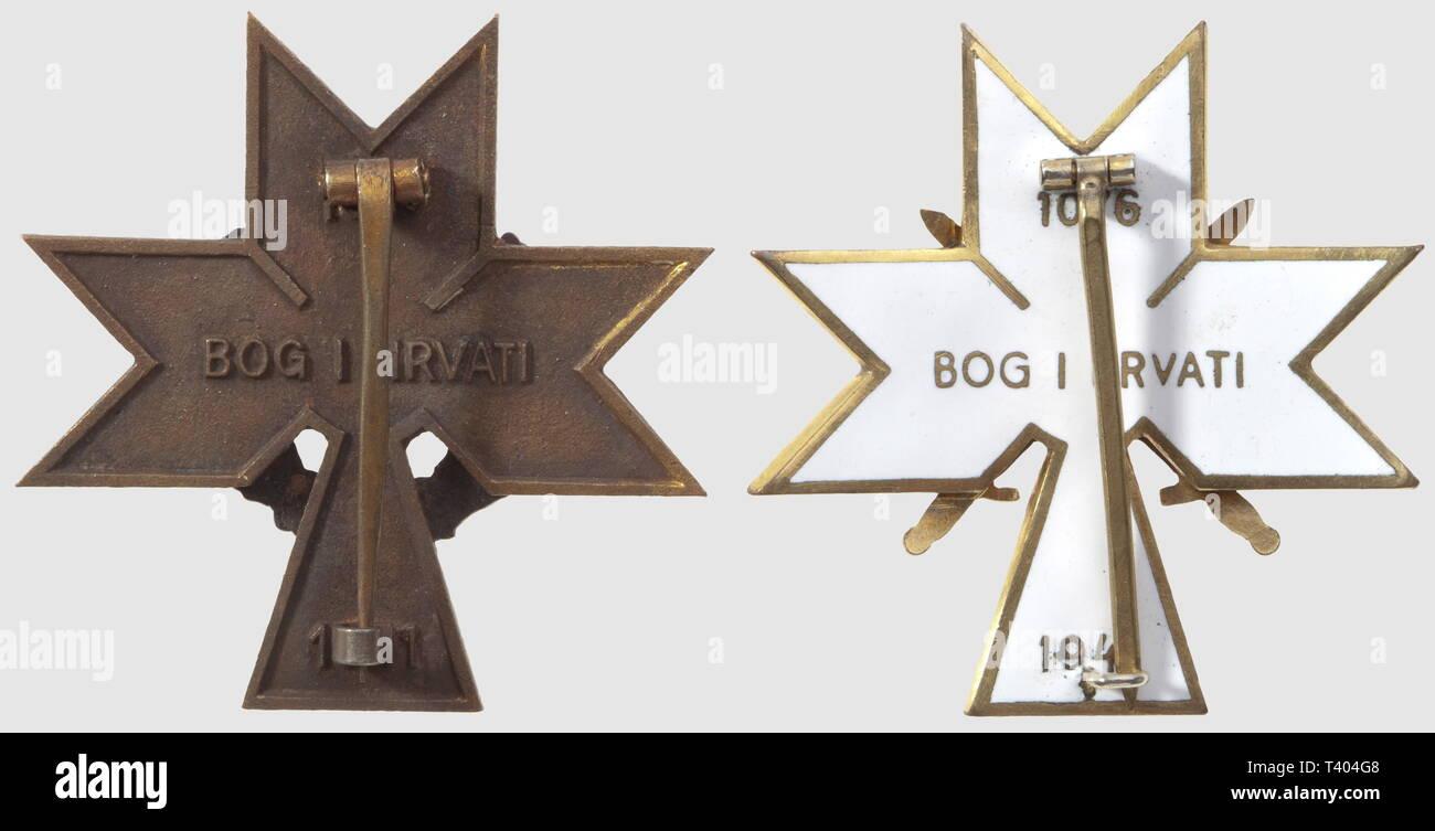 Ordre de la Couronne du Roi Zvonimir, créé le 17 mai 1942. Plaque avec épées, émaillée des deux cotés, métal doré, Additional-Rights-Clearance-Info-Not-Available - Stock Image