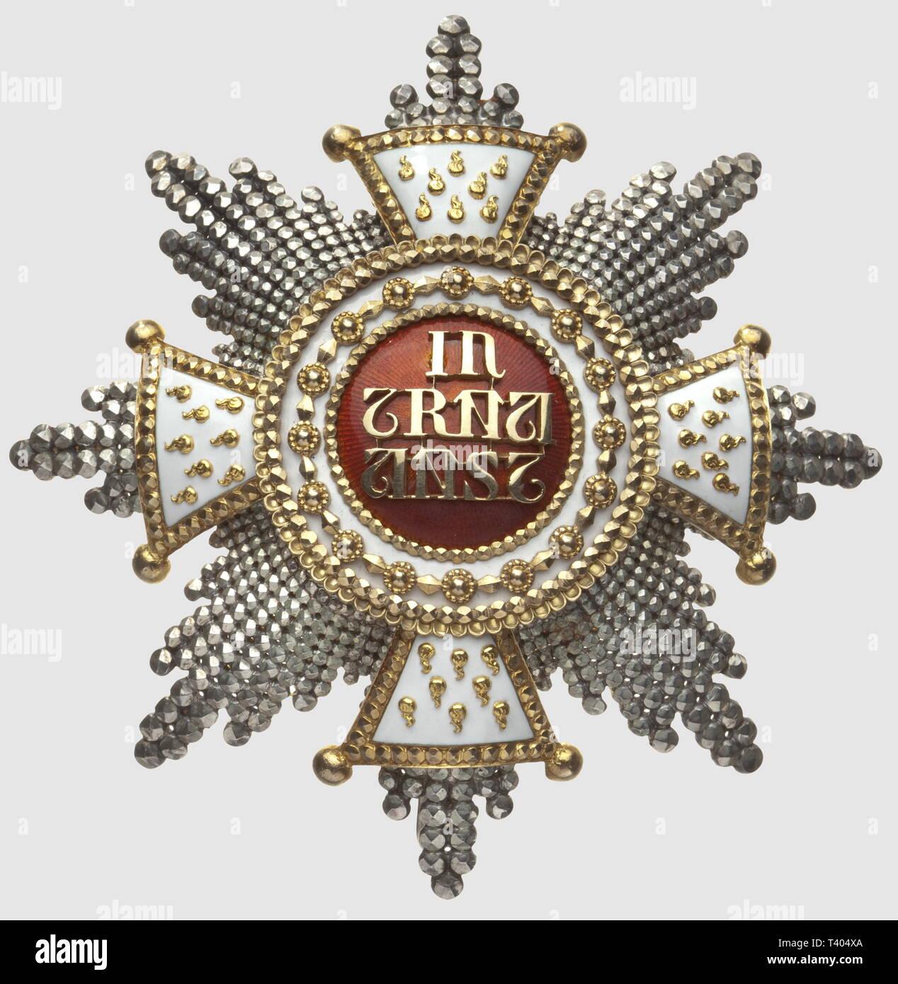 Bavière, Ordre Chevaleresque de la Maison de Saint Hubert , plaque en argent, repercé à pointes de diamant, centre en or, fabr. postérieure, poincon de la maison 'C.F. Rothe' diamètre 85mm. Créé en 1444 par Gérard V de Juliers et de Berg. Il est renouvelé en 1708 par le Prince Electeur Maximilien Joseph du Palatinat et de Bavière, Additional-Rights-Clearance-Info-Not-Available - Stock Image