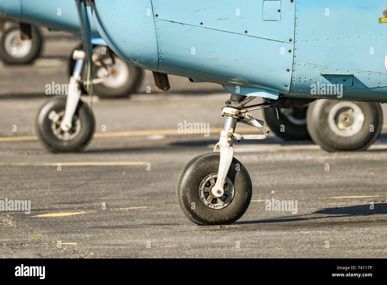 Aeroplane Tyre Stock Photos & Aeroplane Tyre Stock Images