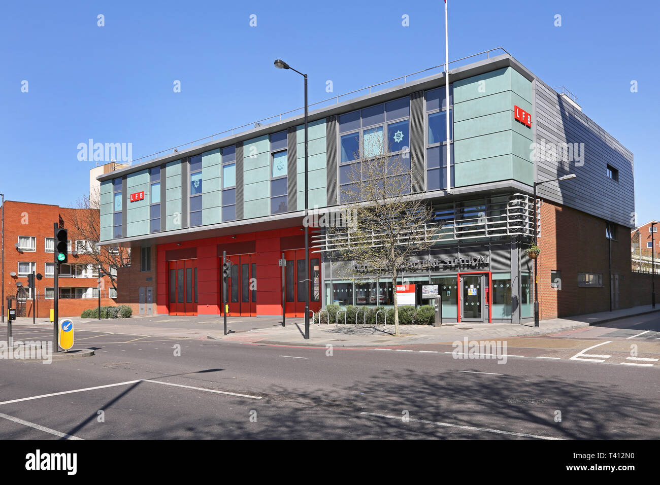 New London Fire Brigade Fire Station on the Old Kent Road, Southwark, London, UK. Replaces the Victorian building. - Stock Image