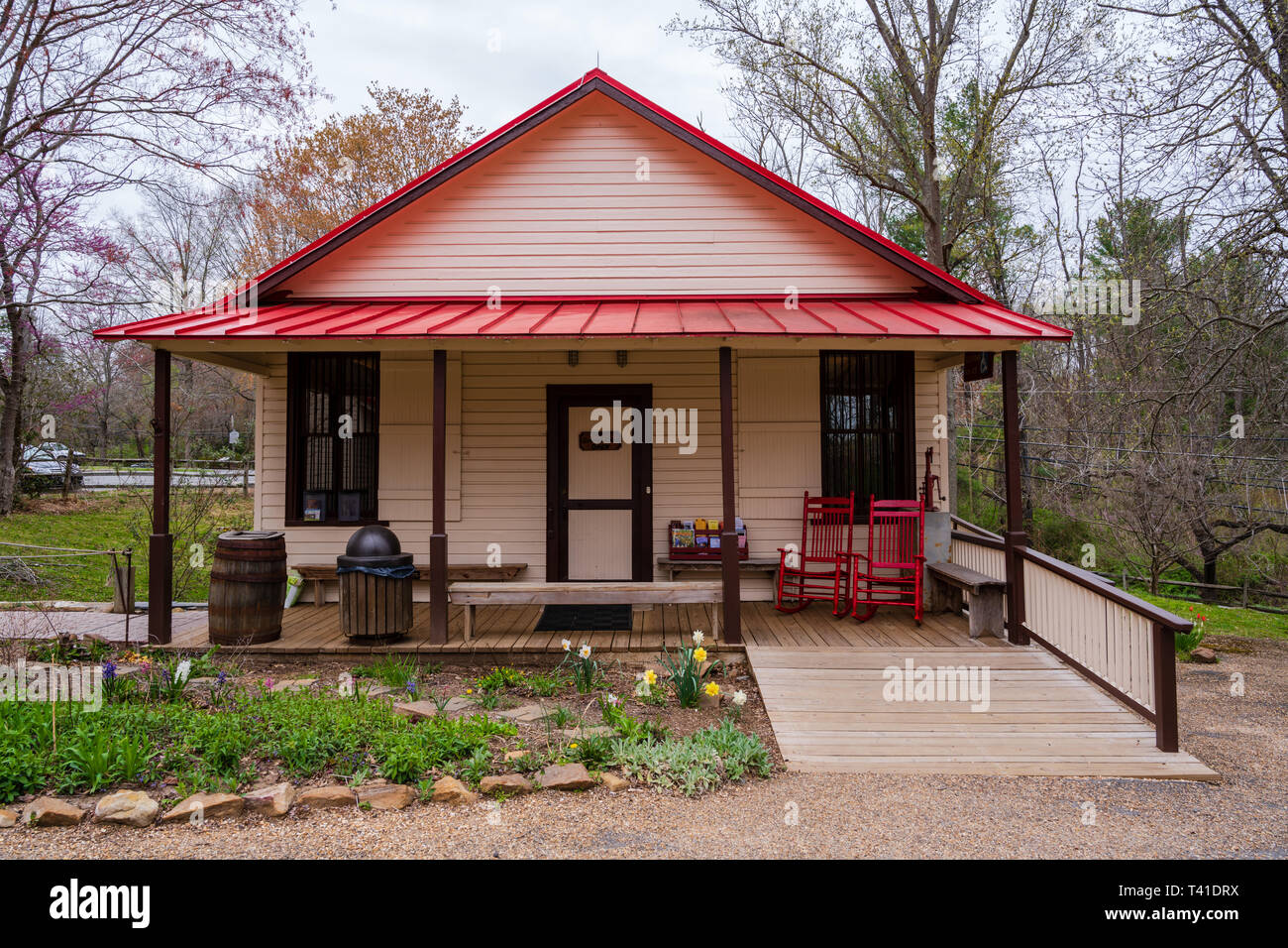 Great Falls, VA, USA -- April 11,2019. Replication of an old-fashioned general store at the historic Colvin Run Mill, in Great Falls, VA. - Stock Image