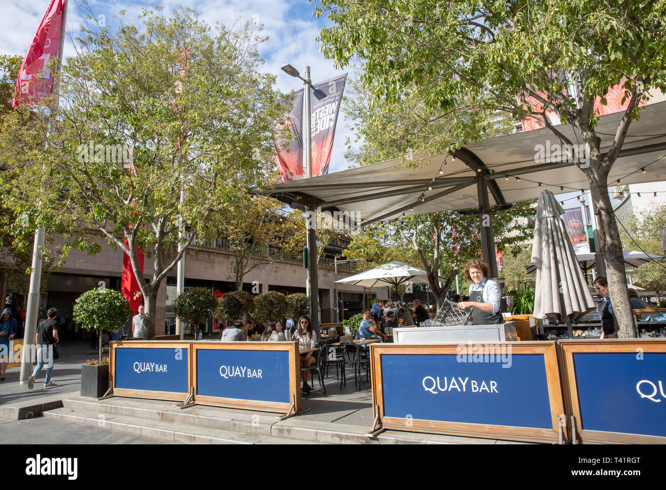 Quay bar at Circular Quay in Sydney popular with office workers for alfresco drinks and beer,Sydney,Australia - Stock Image