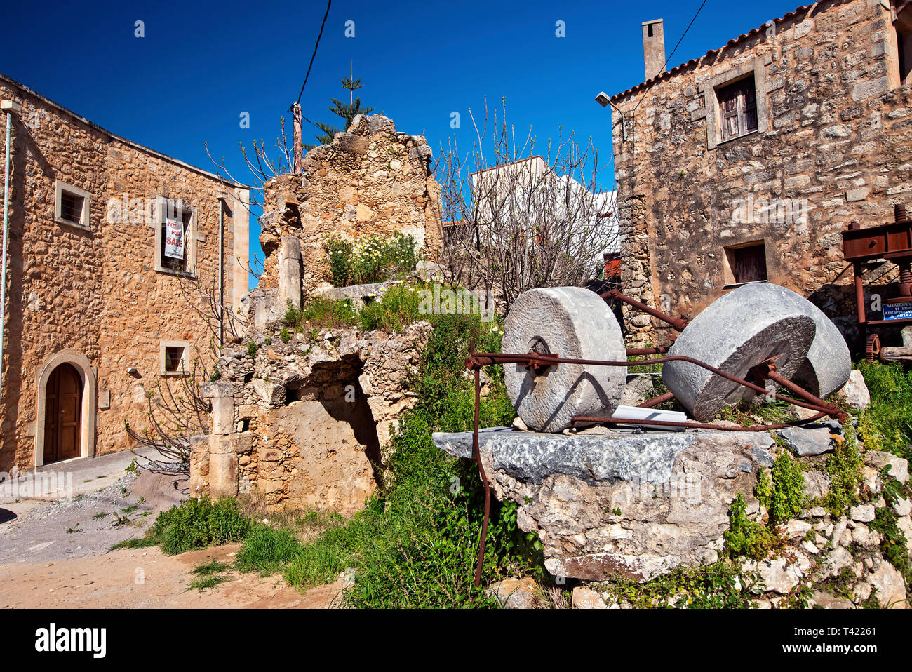 Picturesque 'corner' in  Maroulas village (Rethimno, Crete, Greece), known for its 2 old, Venetian towers. - Stock Image