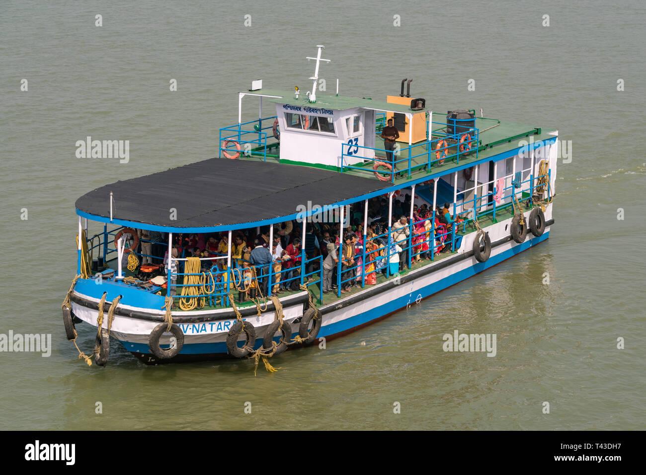 Horizontal aerial view of a ferry in Kolkata aka Calcutta, India. - Stock Image