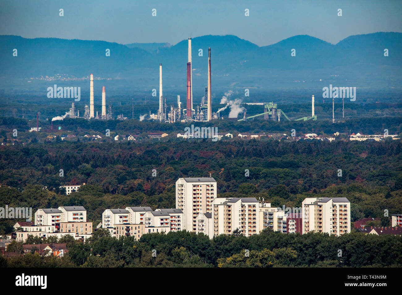 """View over Karlsruhe, in the back the mineral oil refinery Upper Rhine, in front district social city """"Rintheimer field, Stock Photo"""